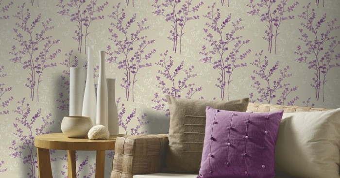 living-room-wallpapers-ideas-purple-accents-wood-floor